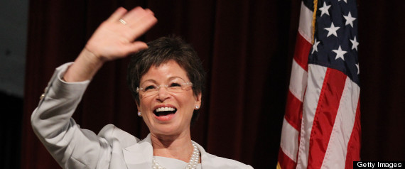 r-VALERIE-JARRETT-BUSINESS-COMMUNITY-large570