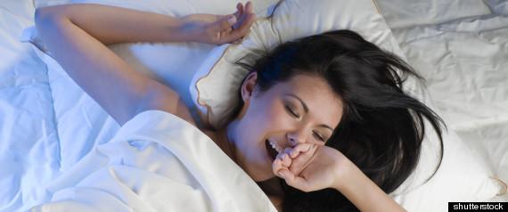 Les experts ne sont pas s rs de la corr lation entre personnalit et positions pour dormir - Dormir sur un futon ...
