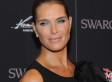 Brooke Shields Has A Spray-Tan Disaster At Diana Vreeland Movie Premiere (PHOTOS)