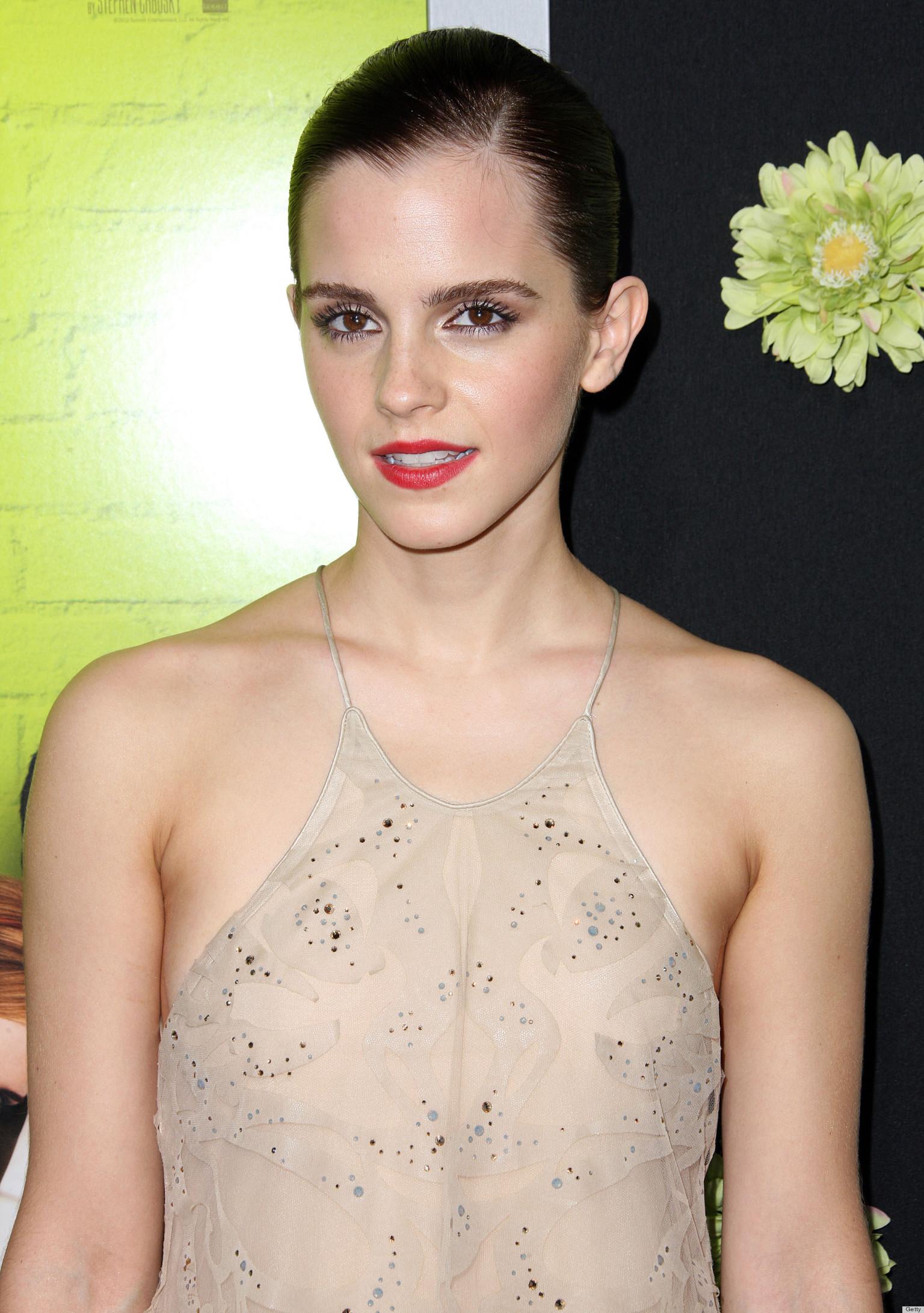 Emma Watson Wardrobe Malfunction Actress Suffers From Too