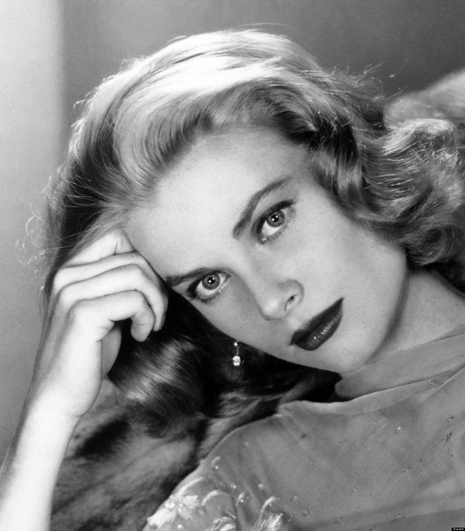 on her birthday a meditation on the work and life of grace kelly huffpost. Black Bedroom Furniture Sets. Home Design Ideas