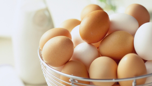 What's The Difference Between White Eggs And Brown Eggs? | The ...