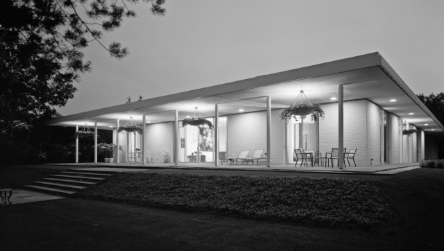 Talking modern architecture with caroline rob zaleski for Architecture 1930