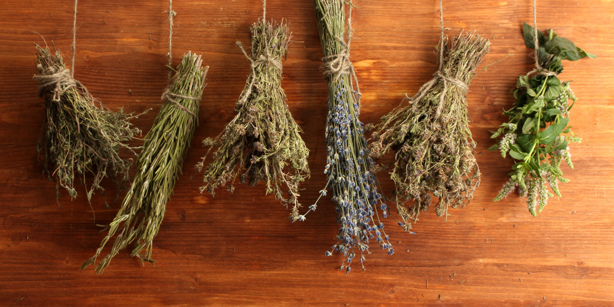 Make your home smell good and freshen the house with herbs for What makes house smell good