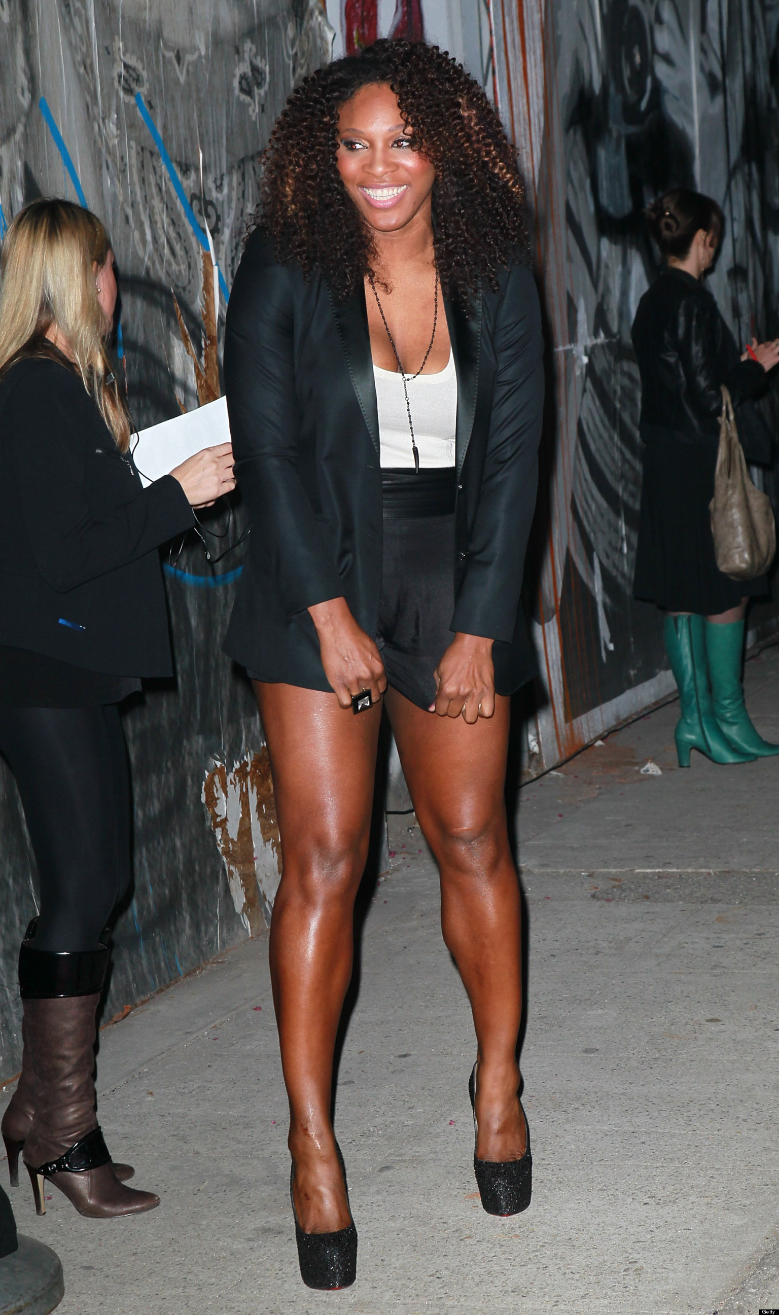 Serena williams birthday the star 39 s most figure flattering fashion moments photos the