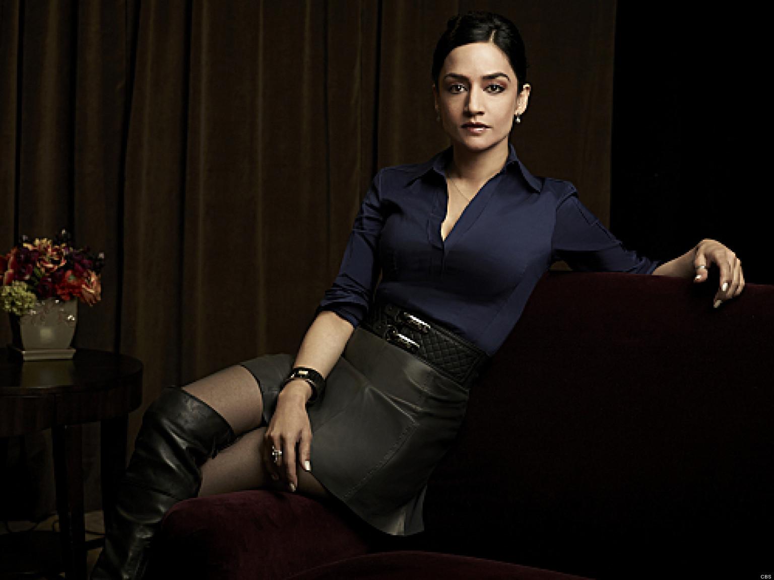 the good wife kalinda kicks butt in season 4 premiere