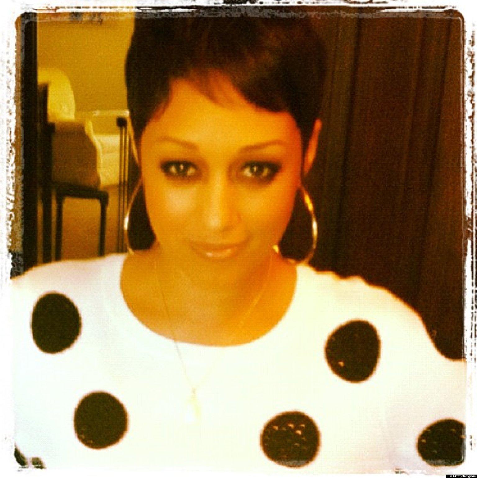 Phenomenal Tia Mowry Haircut 39Tia Amp Tamera39 Star Chops It All Off Photo Short Hairstyles Gunalazisus