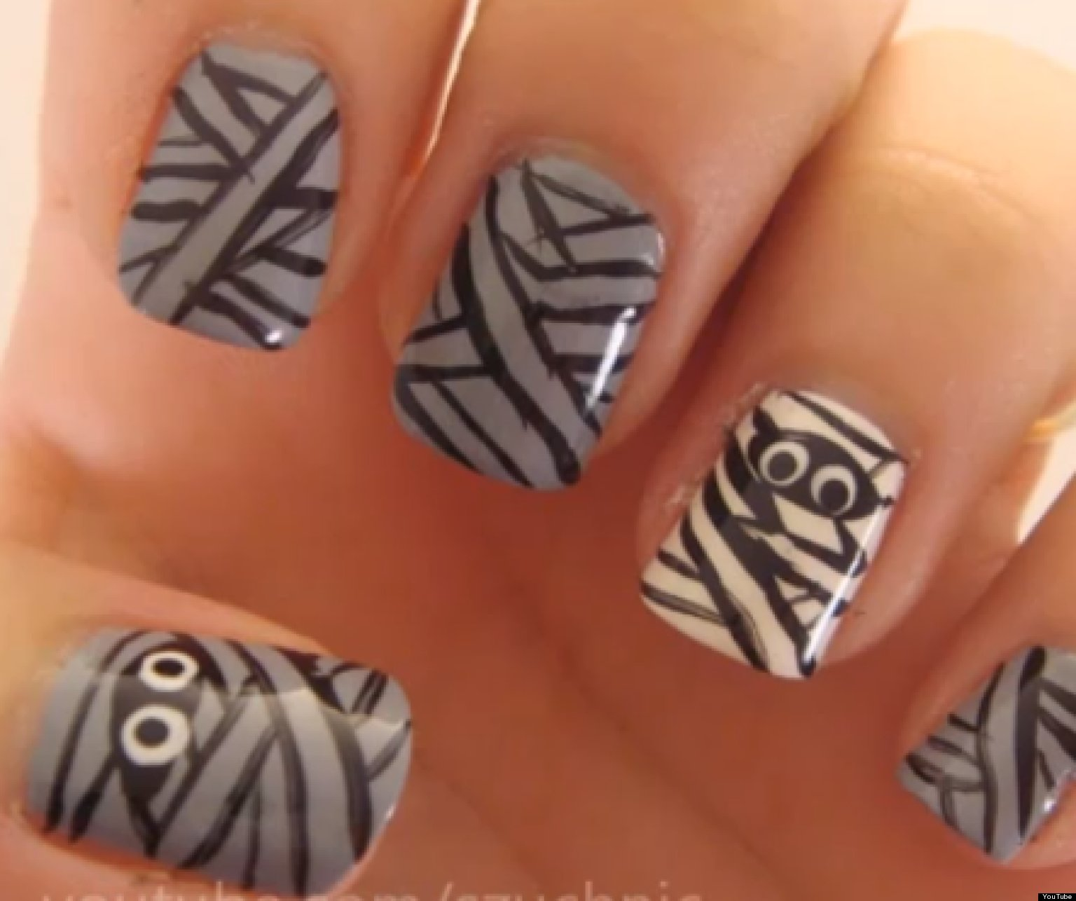 Halloween Nail Art: 10 Sweet And Spooky Manicure Tutorials From ...