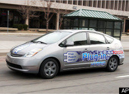 Toyota To Offer Hybrid Plug-In Car By 2010