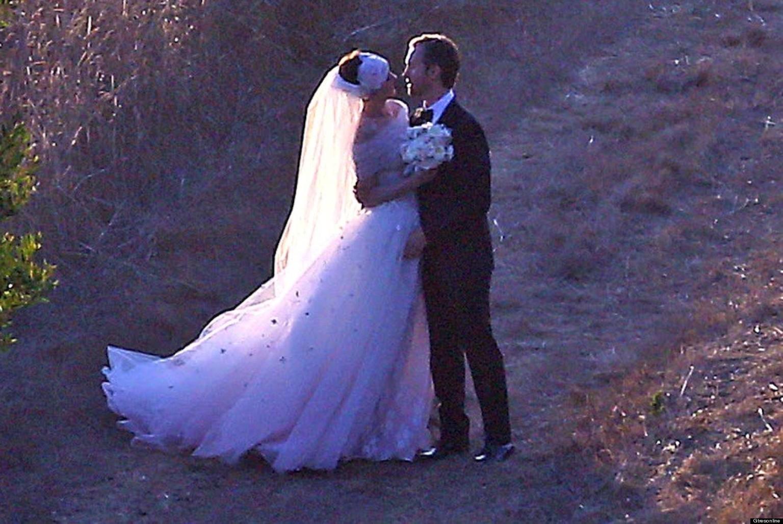 Anne S Wedding: Boda De Anne Hathaway: Vestido De Boda De Valentino Para