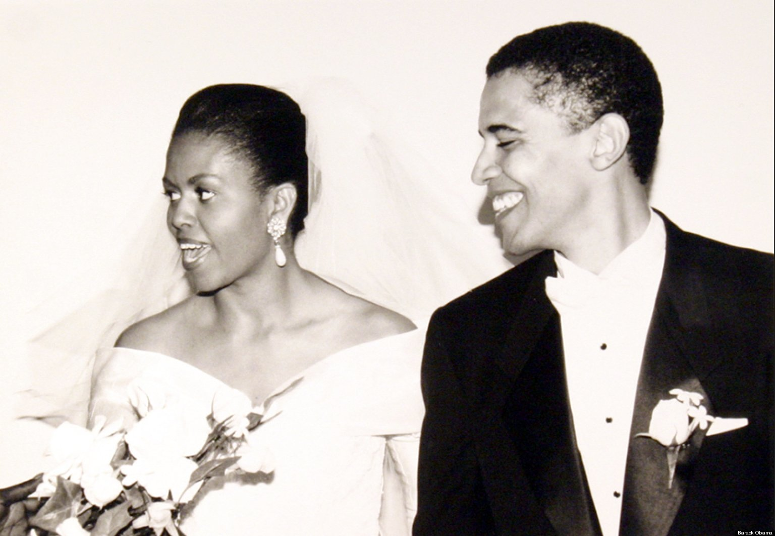 Barack Obama Tweets Wedding Pictures Of Michelle On Couple ...