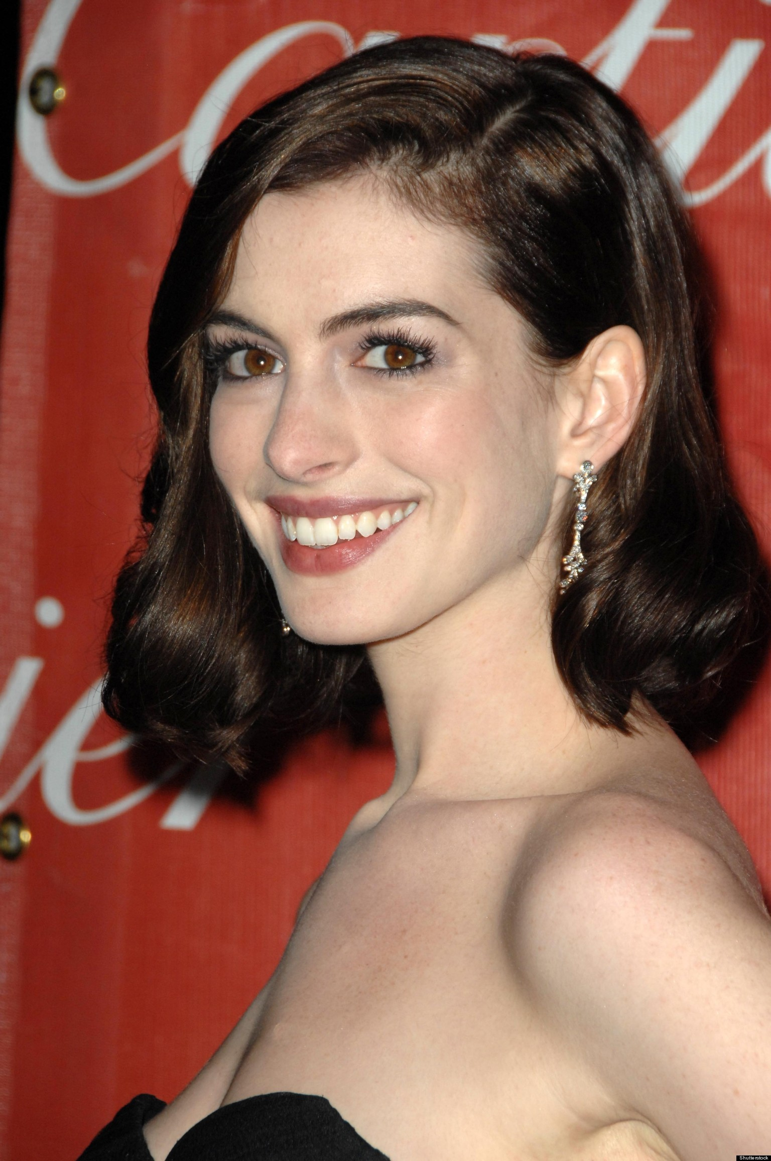 Anne Hathaway's Bridal Bandana Explained | HuffPost Anne Hathaway Facebook
