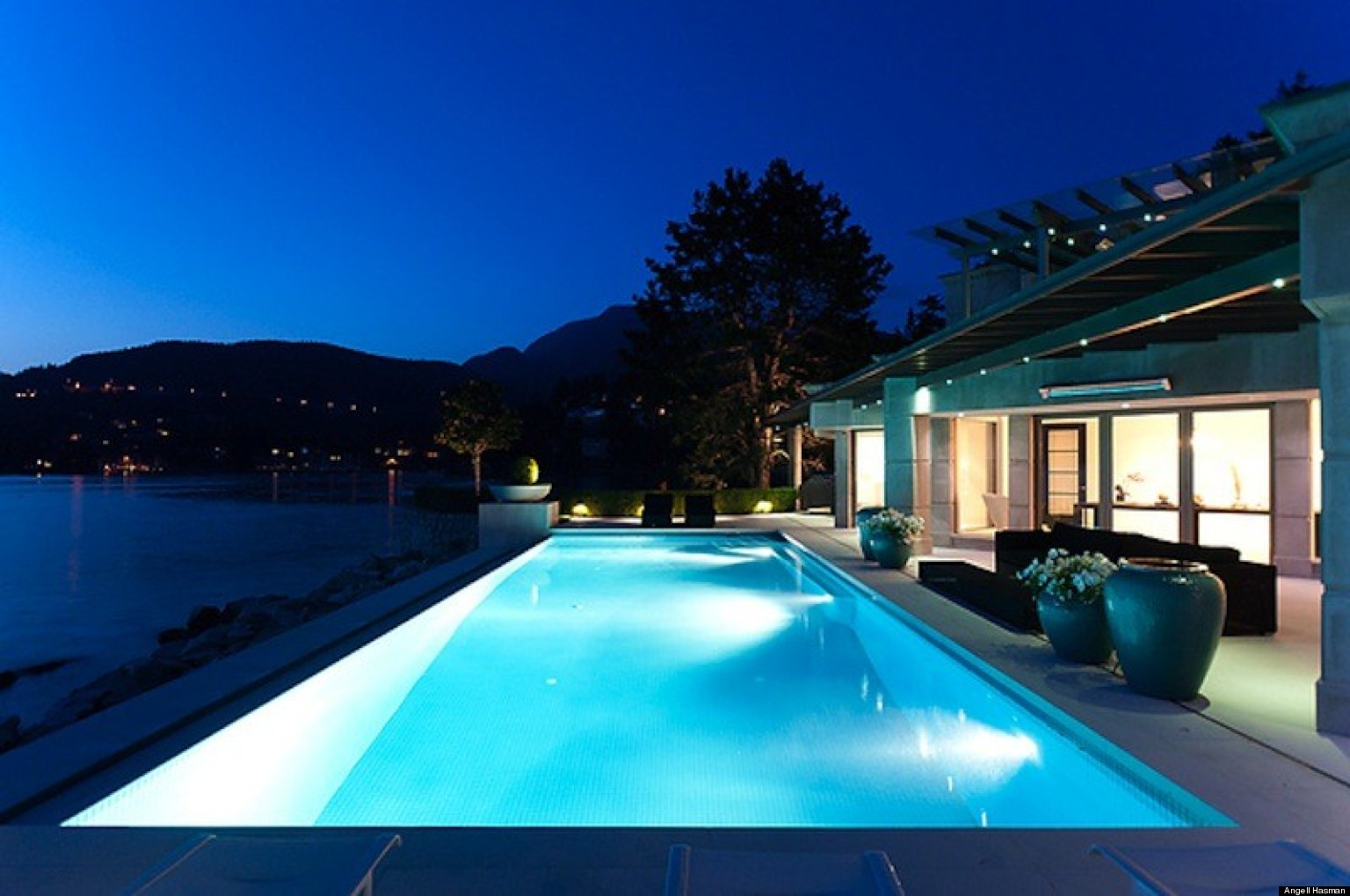 Most expensive houses for sale in canada photos october for Most luxurious house
