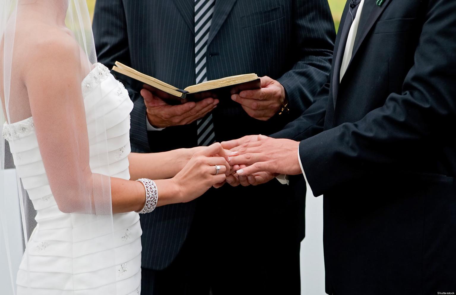 Modern Wedding Vows In Australia Include Not Flirting Online