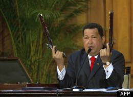 Chavez: dictateur ou démocrate? 5 raisons d'avoir cru en lui, 5 raisons de s'en être méfié