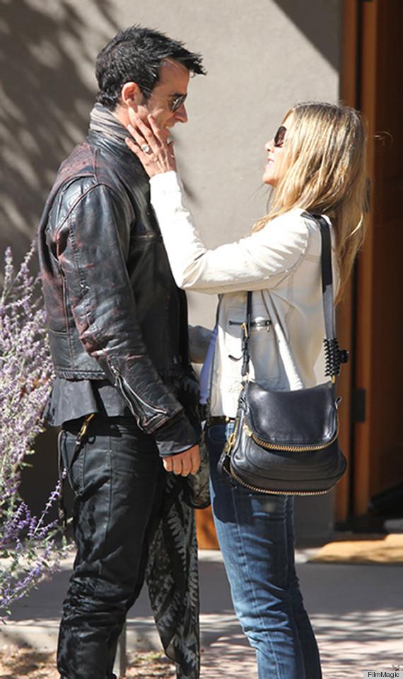 Jennifer Aniston Engagement Ring See The Huge Rock Justin
