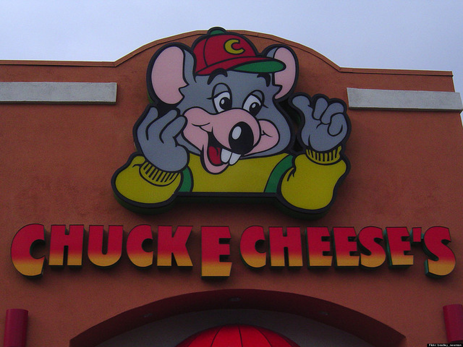 Chuck E Cheese: Shardonnae Pruitt, Chuck E. Cheese Employee In Chicago