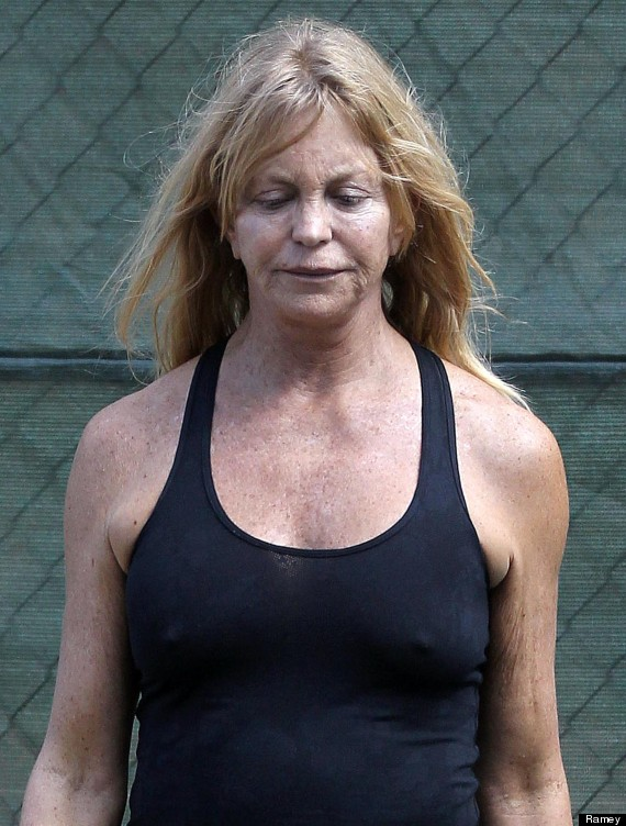Goldie Hawn No Makeup  Actress Steps Out Looking All Natural  PHOTO