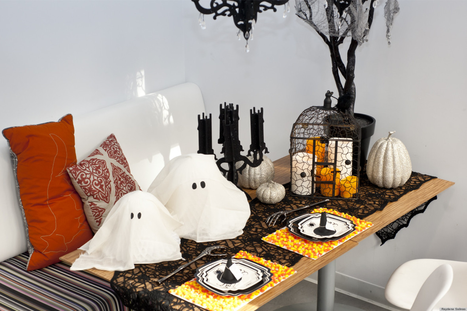 Halloween party table decorations - Halloween Party Ideas Easy Diys For Hosting A Spook Tacular Celebration Photos Huffpost