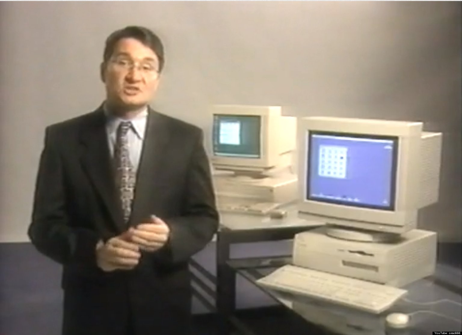 old apple ad shows macintosh vs  windows 95 in hilariously bland video  watch