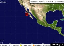 Tormenta tropical se aleja de México