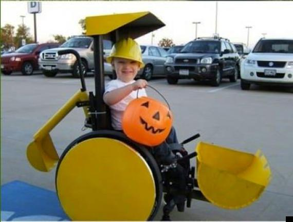 Halloween 2012 Little Boy 39 S Wheelchair Is Transformed Into A Digger And More Ingenious