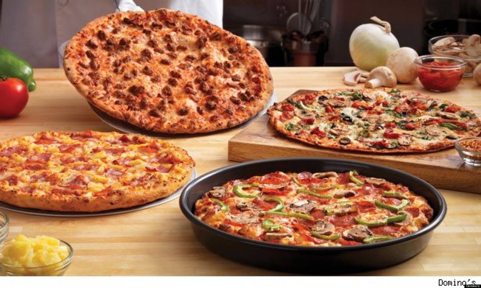 free domino 39 s pizza chain to give away half a million slices of pan pizza huffpost. Black Bedroom Furniture Sets. Home Design Ideas
