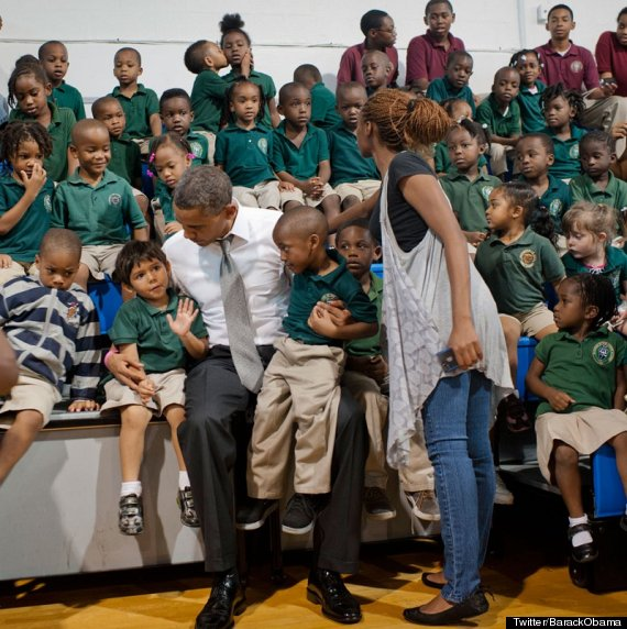 kissing obama photobomb boy students kiss