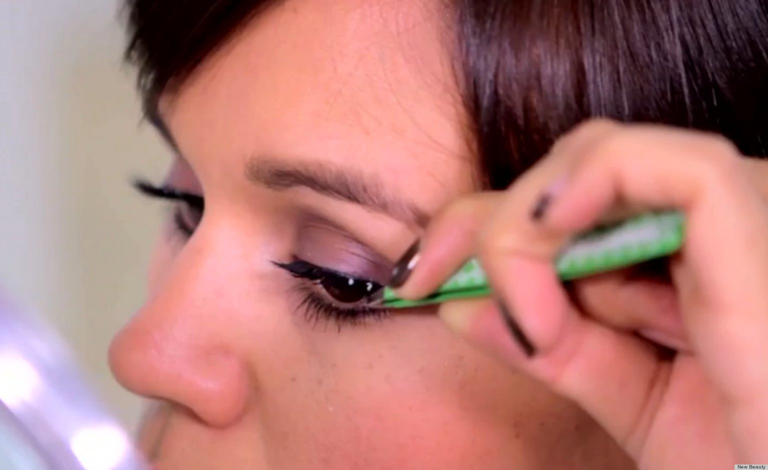 How To Make Fake Eyelashes Look Real (VIDEO) | HuffPost