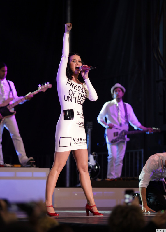 Katy Perry Wears A Ballot Dress For Obama Rally Concert In Las Vegas Photos Huffpost