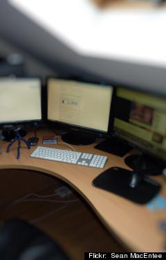 <HH--PHOTO--OFFICE--833402--HH>