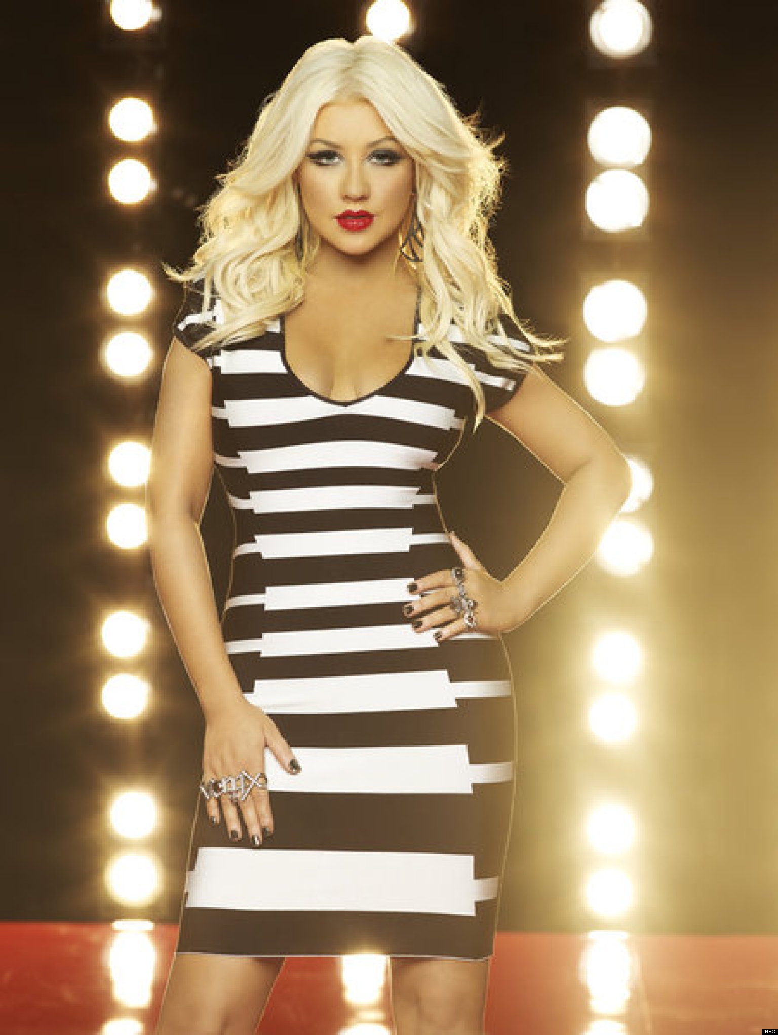 Christina Aguilera I Don T Watch The Voice Simon Cowell Is A Dick