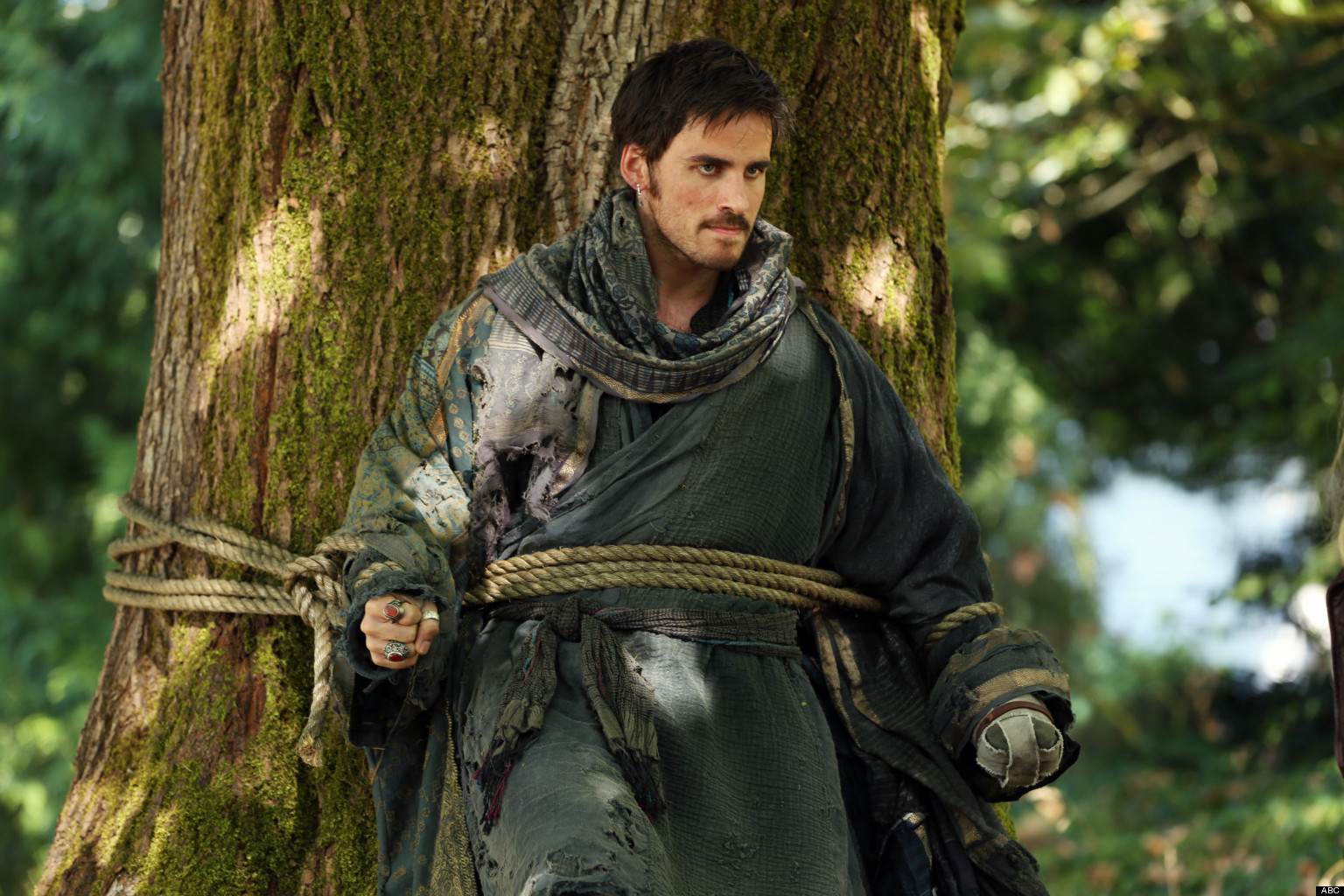 hook drowns once upon a time Captain swan is the het ship between emma swan and captain hook from the once upon a time fandom in the episode there's no place like home(3x22), captain hook, also known as killian jones, reveals that he traded his ship for emma in order to save her family following this confession, emma.