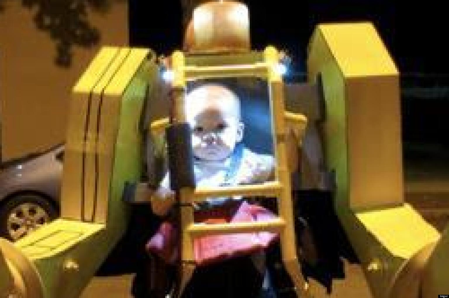 power loader halloween costume features dad and baby ready to take on aliens video huffpost - Aliens Halloween Costume Baby