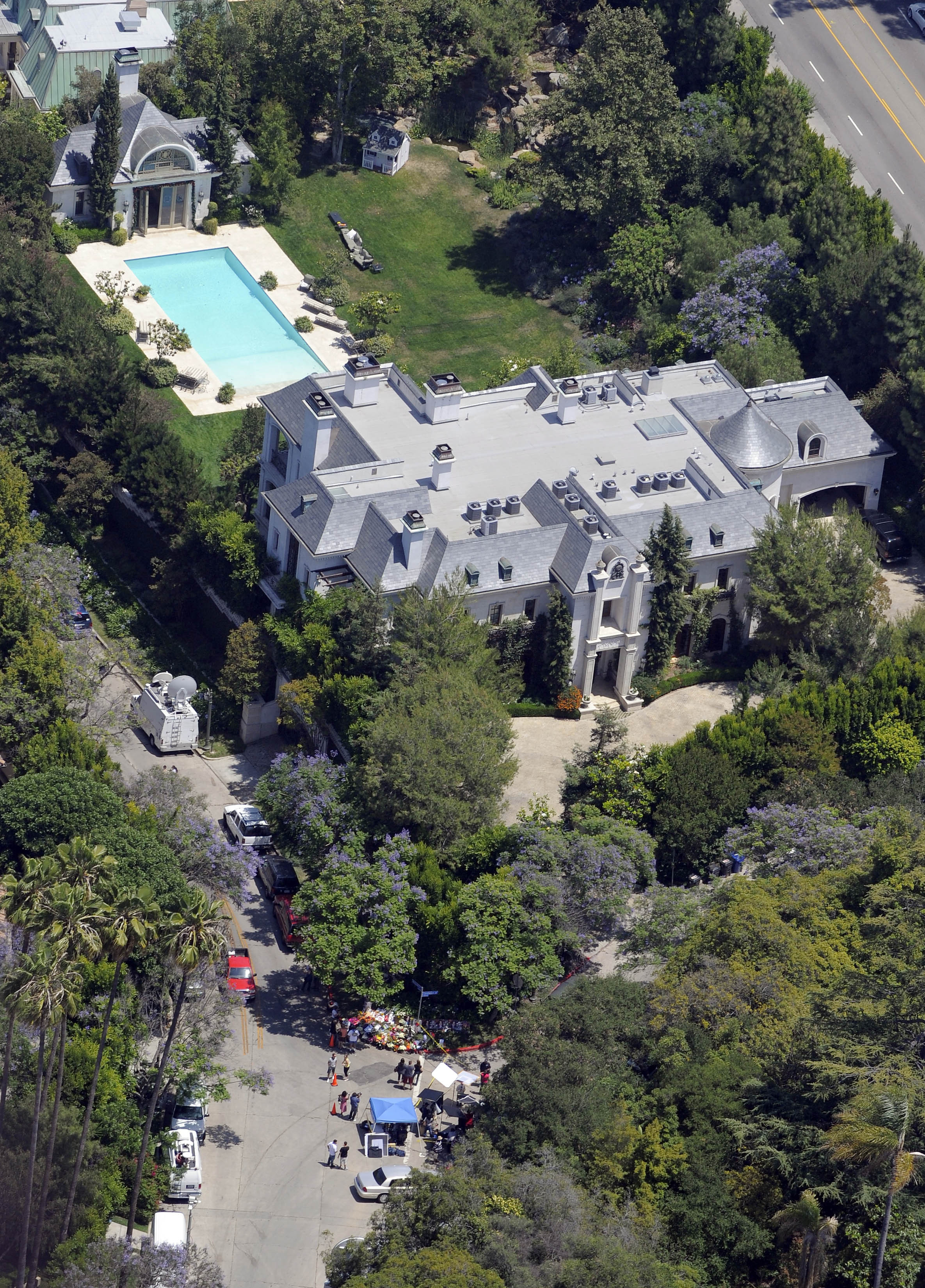 michael jackson home sold