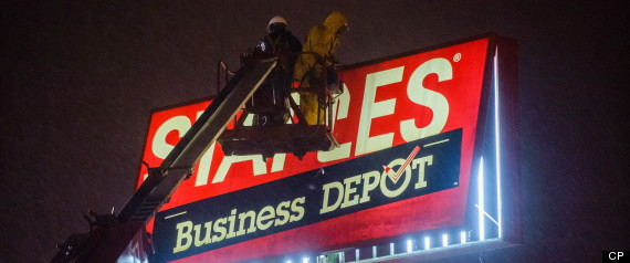 STAPLES SIGN KILLS TORONTO WOMAN