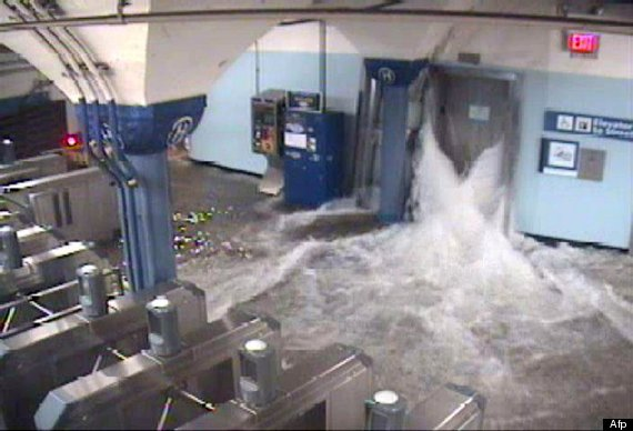 metro inundado nueva york huracan