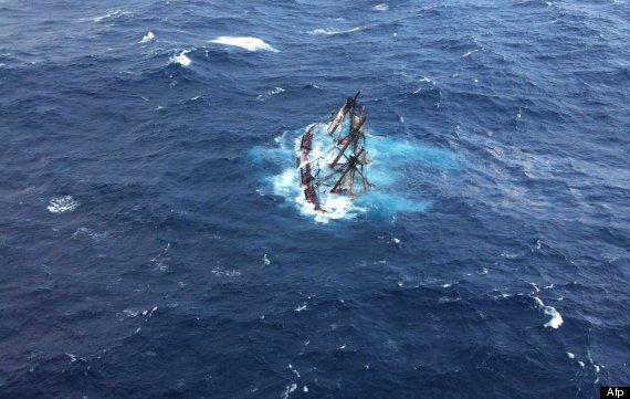 barco hundido en huracán estados unidos