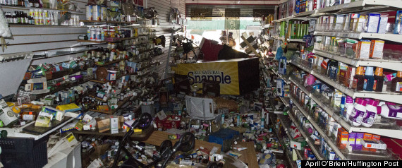 http://i.huffpost.com/gen/840414/thumbs/r-LOOTING-HURRICANE-SANDY-large570.jpg?4