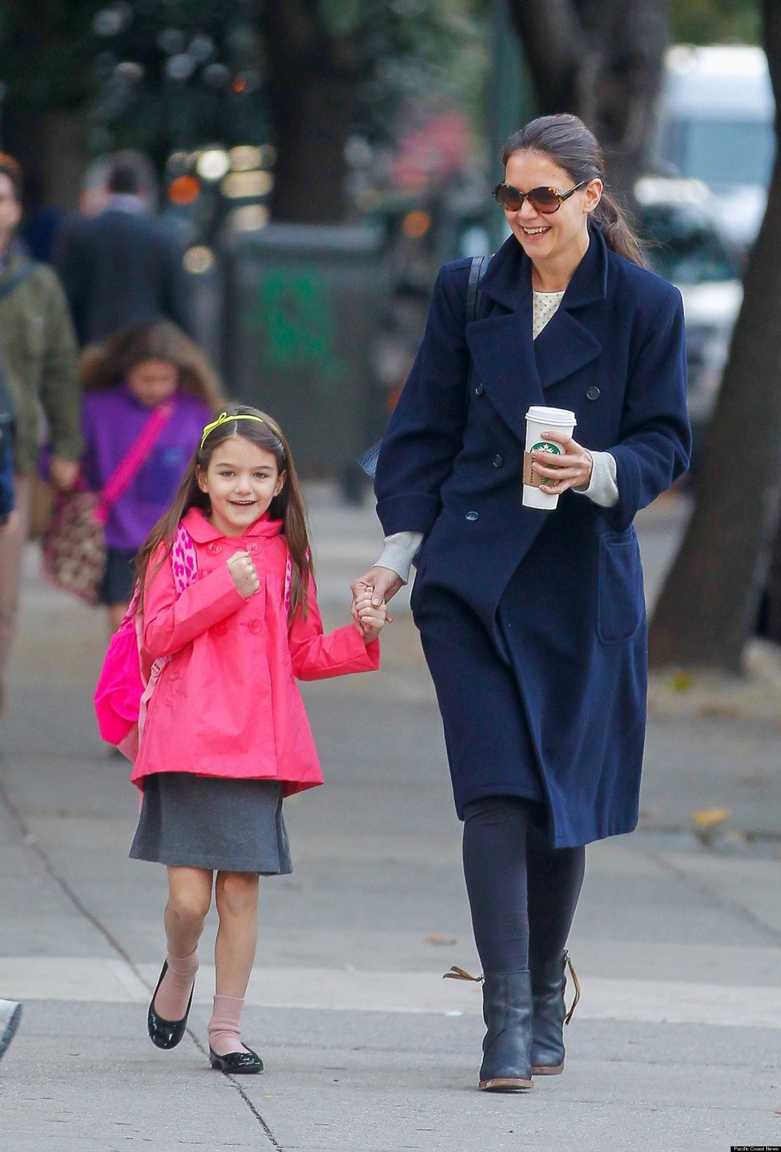 Katie Holmes Suri Cruise S New York Home Without Power
