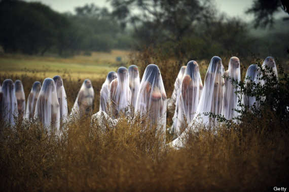 Spencer Tunick Marks Mexico S Day Of The Dead With Usual Battalion Of Nudes Pictures