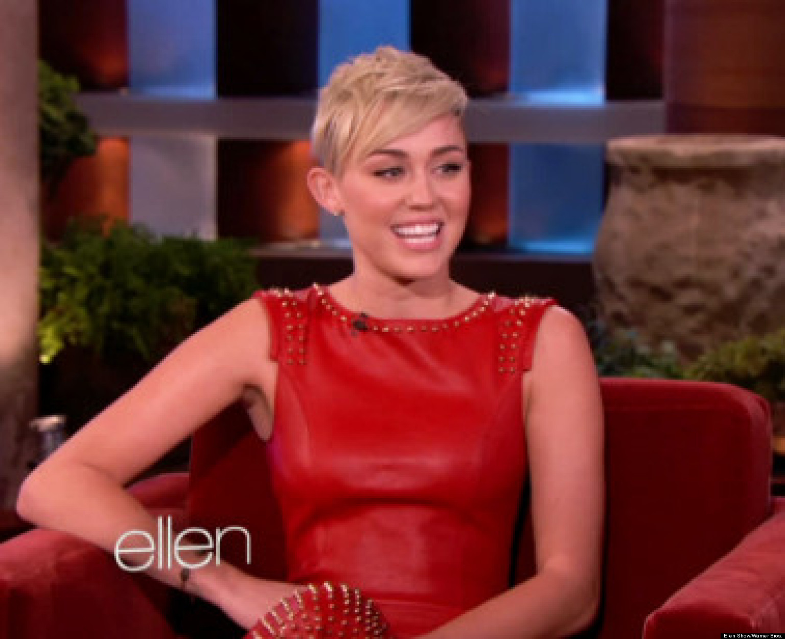 Miley Cyrus' Wedding: Singer Wants Her Ceremony With Liam Hemsworth ...