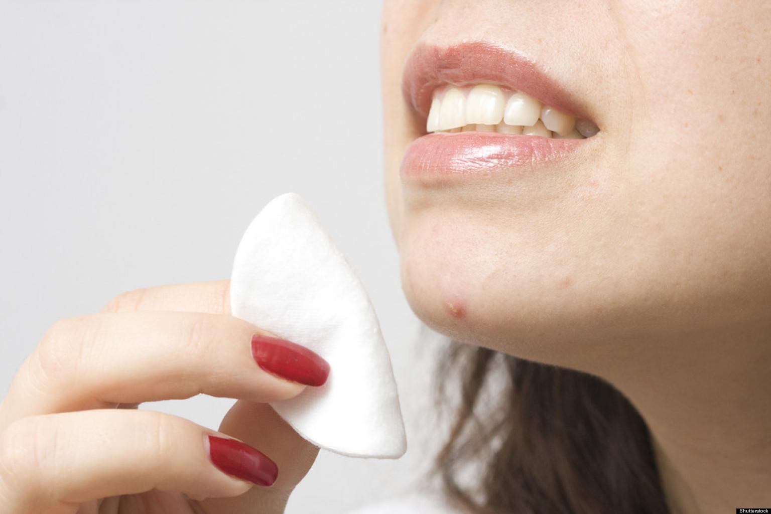 fight acne with regenis acne treatment spray.