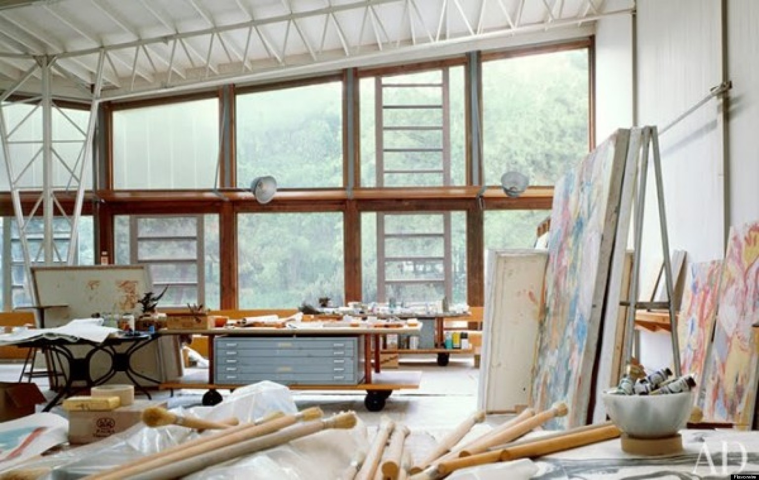 10 famous artists 39 stunning studios huffpost for Home painting images