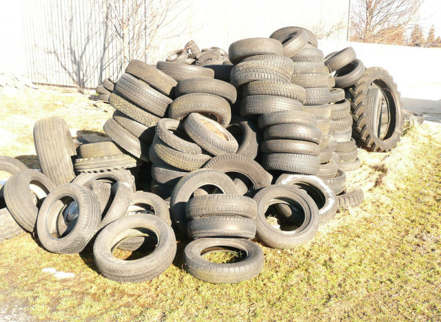 Repurposing ideas 5 new uses for car tires huffpost for Uses for old tyres