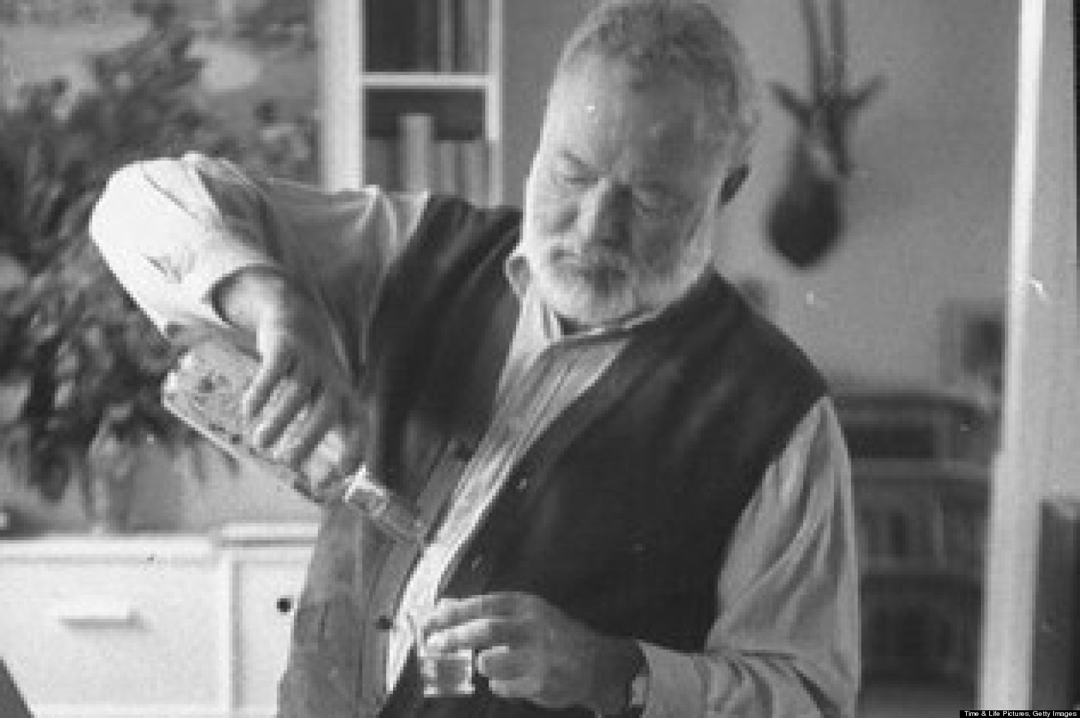 a biography of the businessman ernest hemmingway Hemingway did not go directly to south florida from paris, but rather arrived  through  to be critically important in hemingway's later personal and  professional life  it was filled with interesting people, ranging from well-to-do  businessmen.