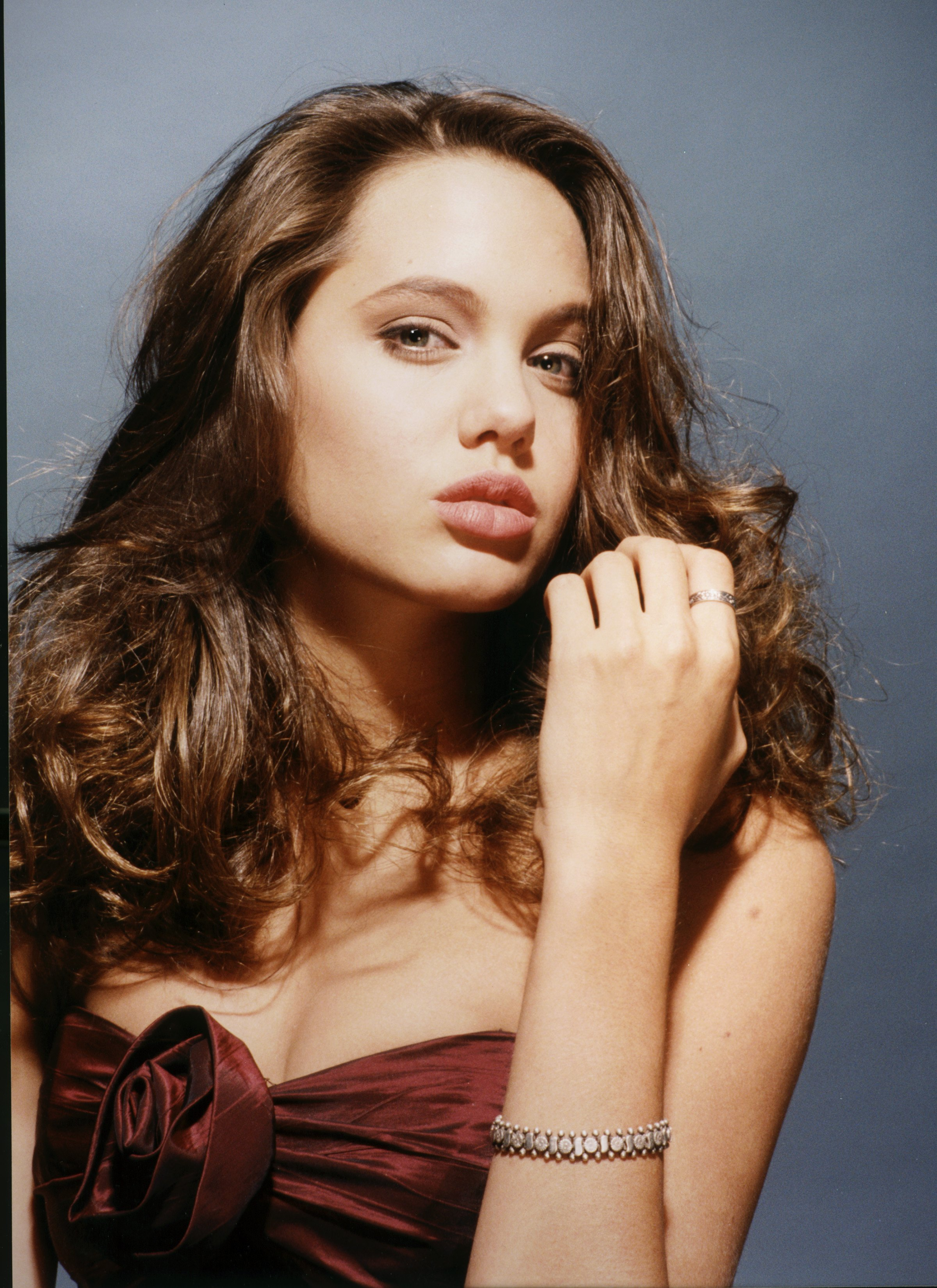 16 Year Old Found Safe Following Amber Alert In Sjc: Angelina Jolie, Actress, In Her Younger Years (PHOTO