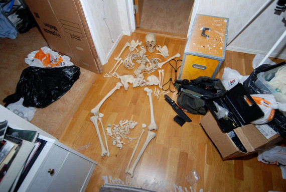 woman has sex with skeletons