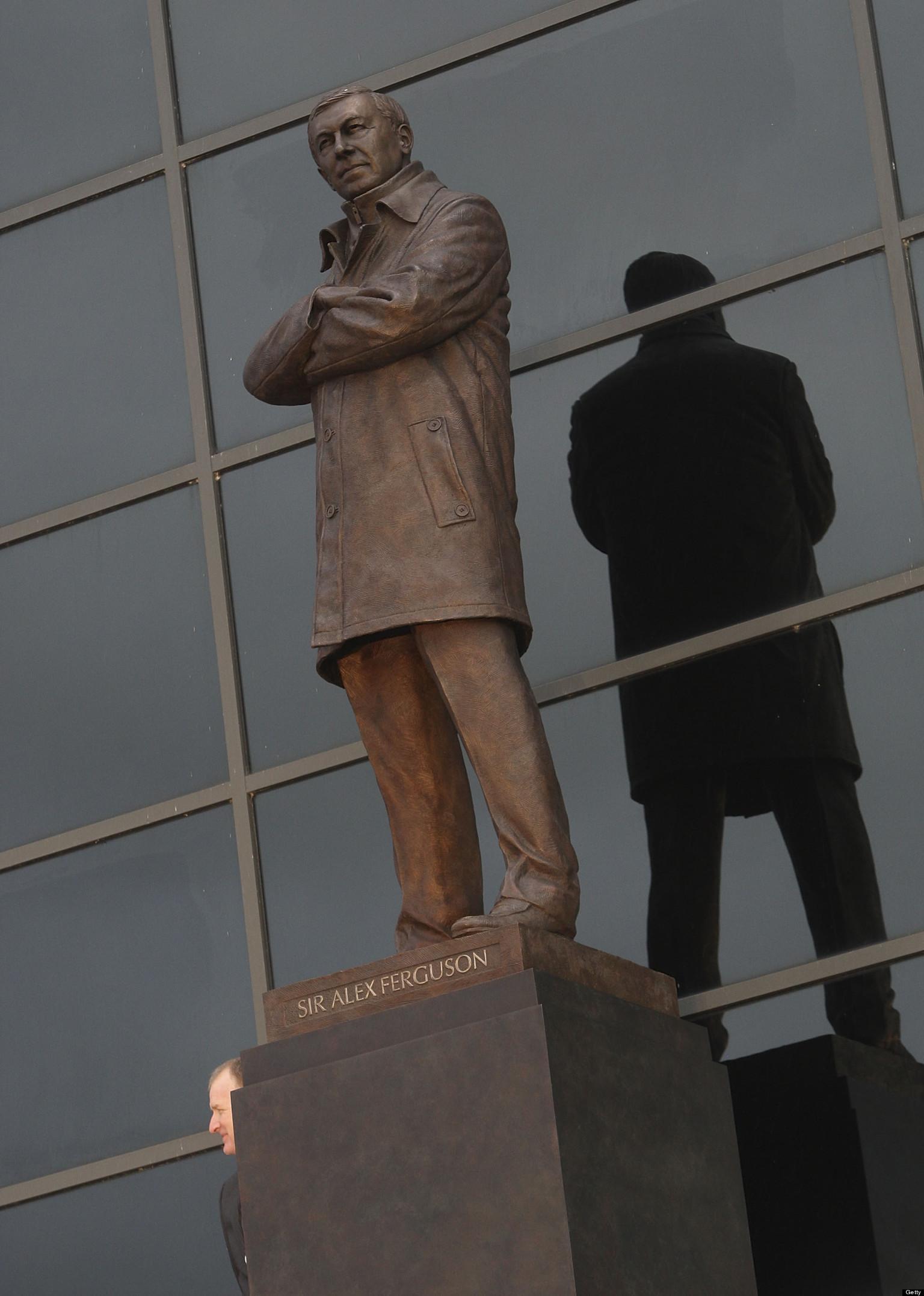 Sir Alex Ferguson Statue Unveiled At Old Trafford ...