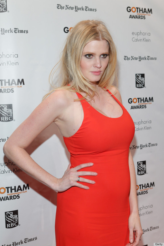 Lara Stone Pregnant: Model Shows Off Baby Bump In Sexy Red ...